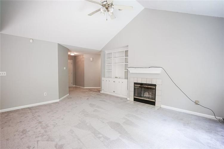 7755 Pershing Road Indianapolis IN 46268 | MLS 21721234 | photo 10