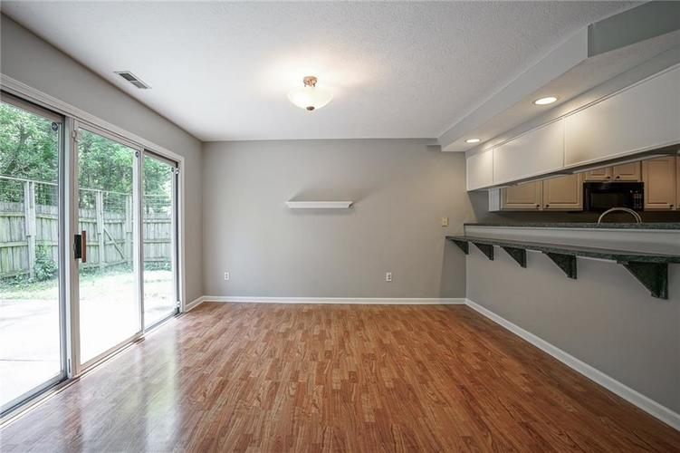 7755 Pershing Road Indianapolis IN 46268 | MLS 21721234 | photo 11