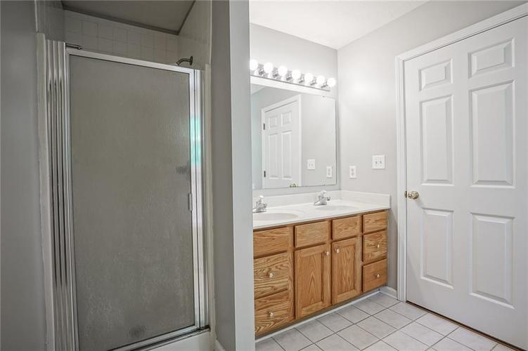 7755 Pershing Road Indianapolis IN 46268 | MLS 21721234 | photo 20