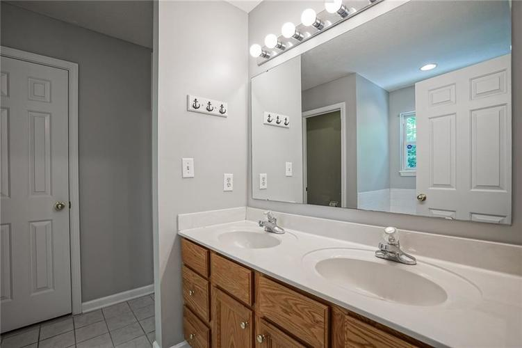 7755 Pershing Road Indianapolis IN 46268 | MLS 21721234 | photo 22
