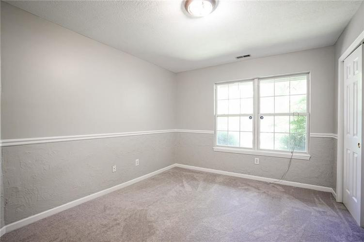 7755 Pershing Road Indianapolis IN 46268 | MLS 21721234 | photo 23