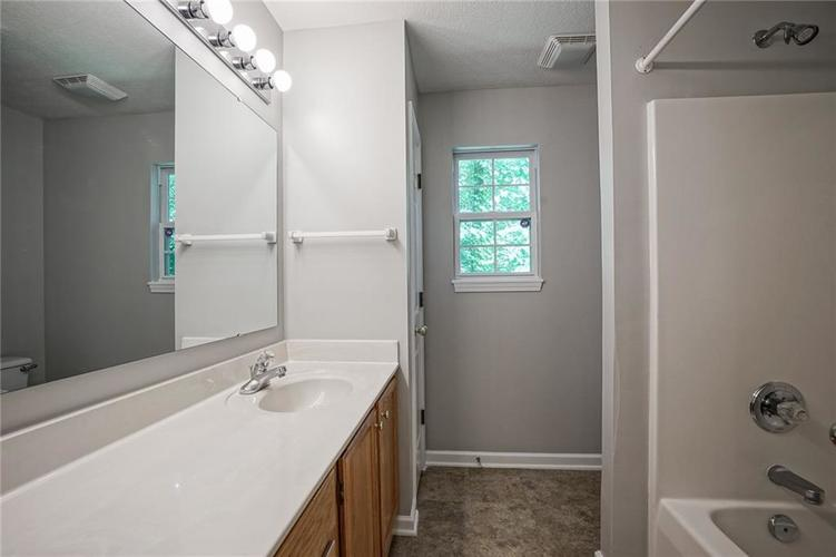 7755 Pershing Road Indianapolis IN 46268 | MLS 21721234 | photo 25