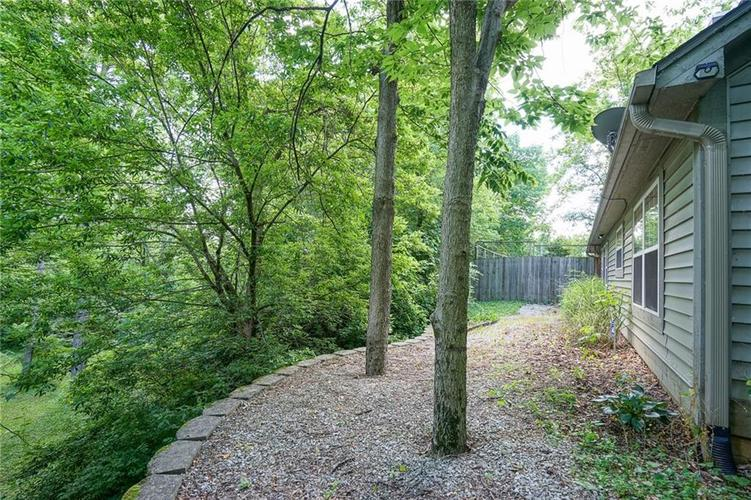 7755 Pershing Road Indianapolis IN 46268 | MLS 21721234 | photo 6