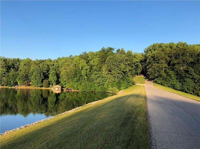 000 E North Point Road Martinsville IN 46151 | MLS 21721238 | photo 22