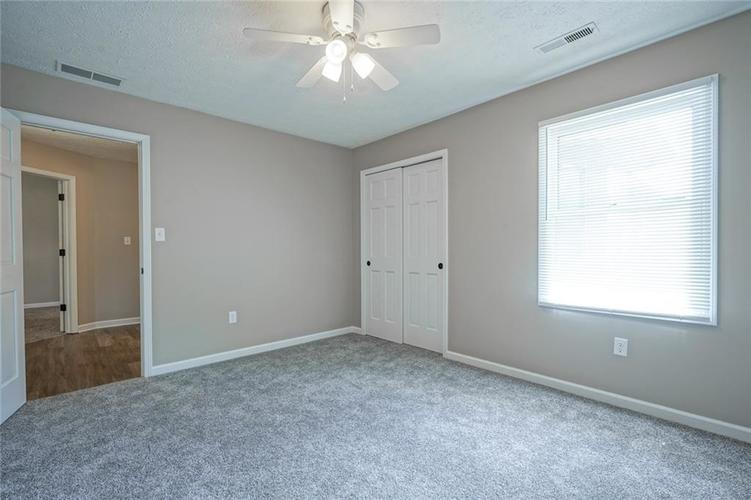 2228 VALLEY CREEK E Lane Indianapolis IN 46229 | MLS 21721269 | photo 20