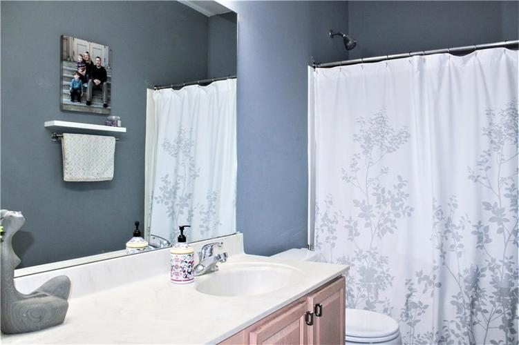 8174 Admirals Landing Place Indianapolis IN 46236 | MLS 21721316 | photo 16
