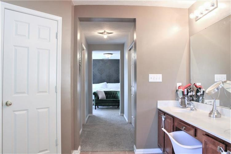 8174 Admirals Landing Place Indianapolis IN 46236 | MLS 21721316 | photo 22