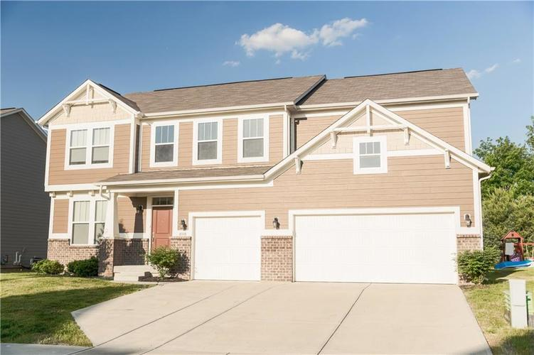 9727 CLAY BROOK Drive McCordsville IN 46055 | MLS 21721369 | photo 1