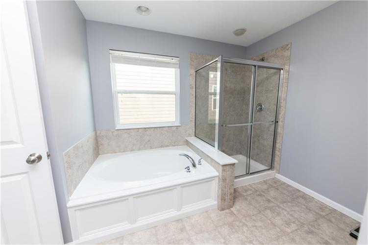 9727 CLAY BROOK Drive McCordsville IN 46055 | MLS 21721369 | photo 25