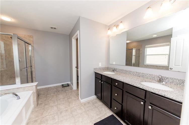 9727 CLAY BROOK Drive McCordsville IN 46055 | MLS 21721369 | photo 26