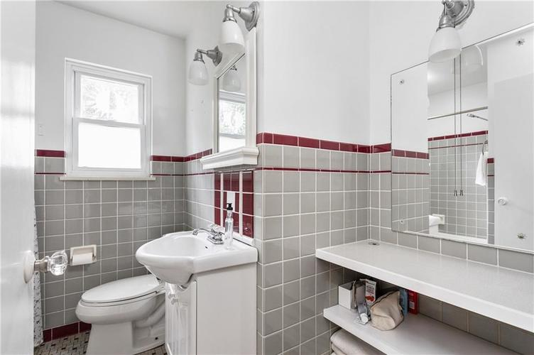 5752 Hillside Avenue Indianapolis IN 46220 | MLS 21721506 | photo 15