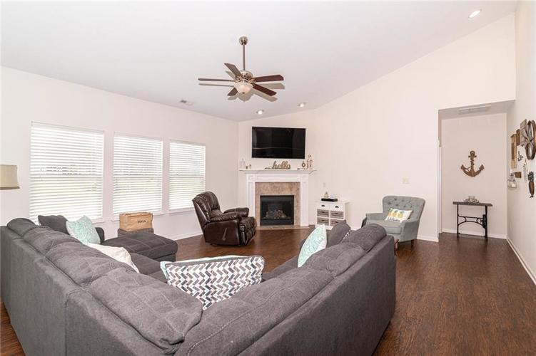 259 Chadford Court Indianapolis IN 46229 | MLS 21721507 | photo 5