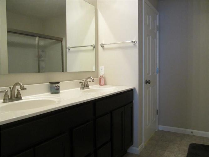 2451 Cabin Hill Road Indianapolis IN 46229 | MLS 21721565 | photo 22