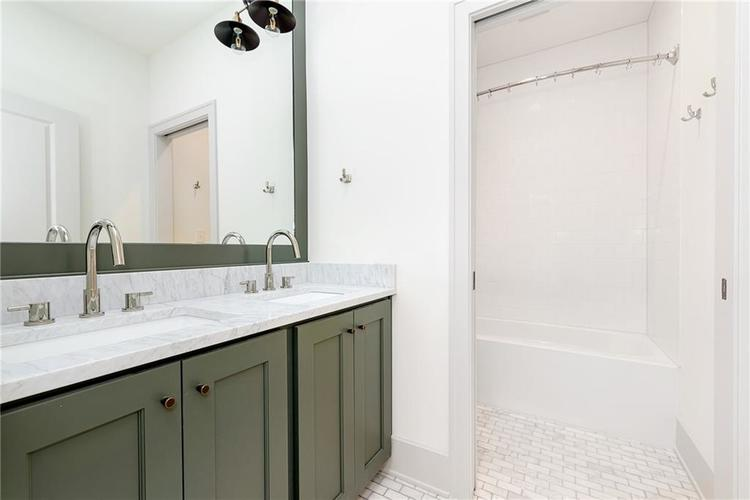 2435 N College Avenue Indianapolis IN 46205 | MLS 21721608 | photo 21