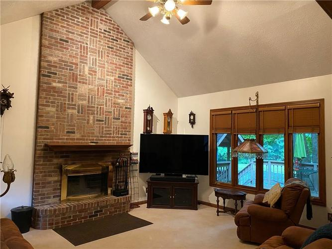 1525 W Aspen Way Martinsville IN 46151 | MLS 21721641 | photo 8