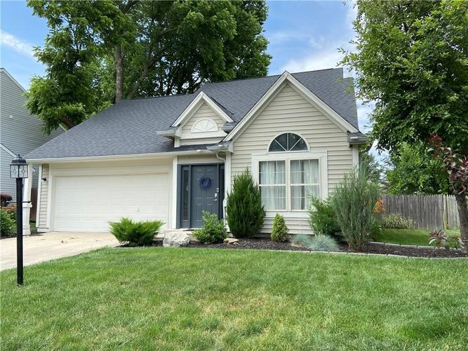 6748  Thousand Oaks Drive Indianapolis, IN 46214 | MLS 21721693
