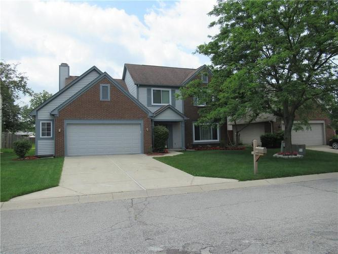 8427 Woodstone Way S Indianapolis IN 46256 | MLS 21721915 | photo 1