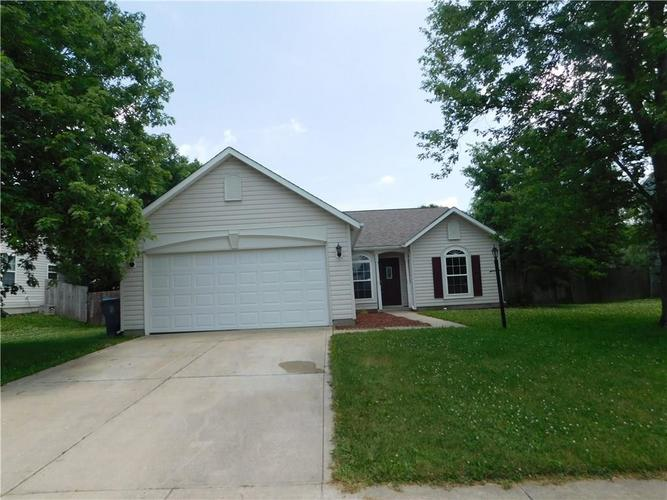 2255 Peter Drive Indianapolis IN 46229   MLS 21721925   photo 1