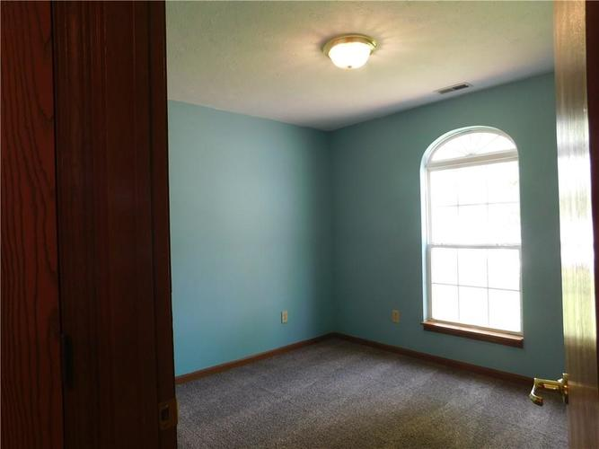 2255 Peter Drive Indianapolis IN 46229   MLS 21721925   photo 12