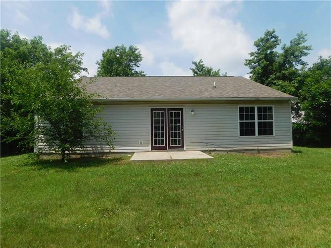 2255 Peter Drive Indianapolis IN 46229   MLS 21721925   photo 2