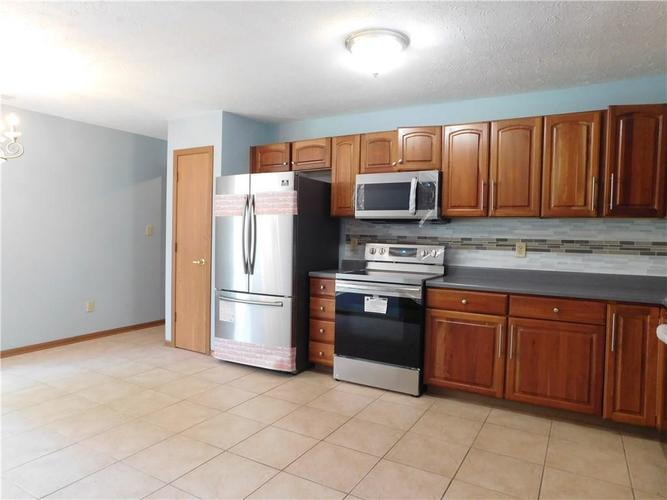 2255 Peter Drive Indianapolis IN 46229   MLS 21721925   photo 6