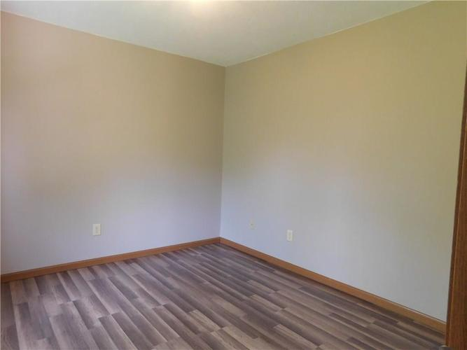 2255 Peter Drive Indianapolis IN 46229   MLS 21721925   photo 7