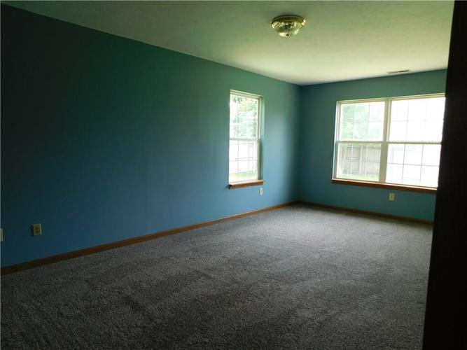 2255 Peter Drive Indianapolis IN 46229   MLS 21721925   photo 8