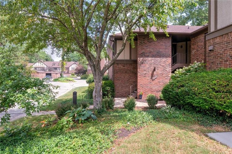2235 Rome Drive Indianapolis IN 46228 | MLS 21721987 | photo 4