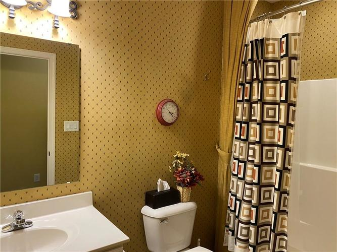 1927 Persimmon Grove Drive Indianapolis IN 46234 | MLS 21721990 | photo 19