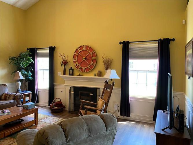 1927 Persimmon Grove Drive Indianapolis IN 46234 | MLS 21721990 | photo 2