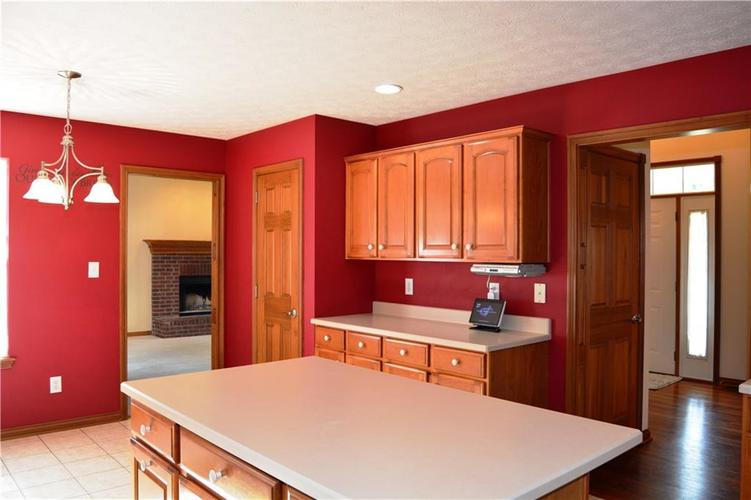 125 W CHALET Drive Mooresville IN 46158   MLS 21721996   photo 11