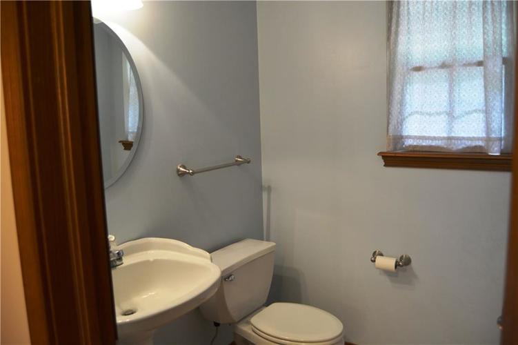 125 W CHALET Drive Mooresville IN 46158   MLS 21721996   photo 14