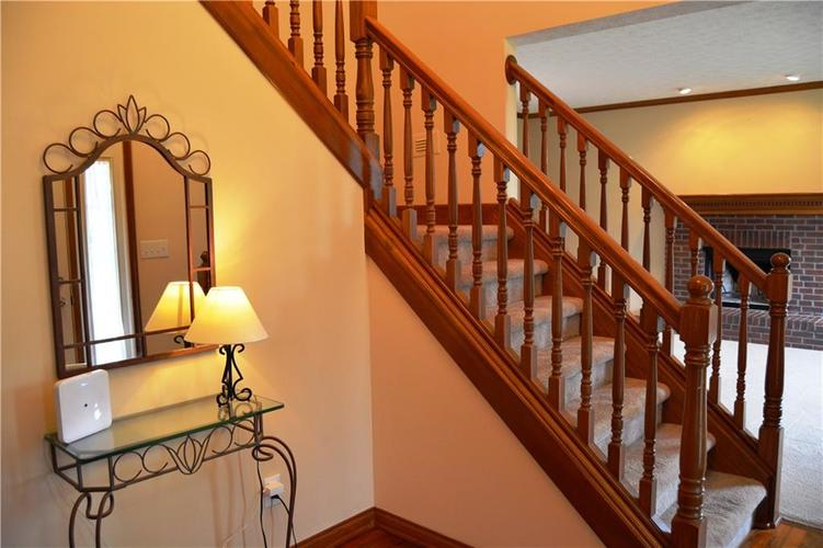 125 W CHALET Drive Mooresville IN 46158   MLS 21721996   photo 3