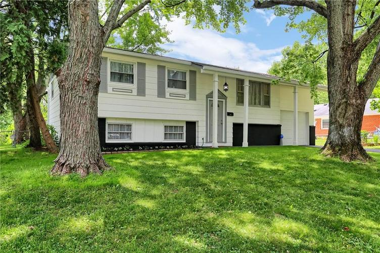 2049  Schwier Drive Indianapolis, IN 46229   MLS 21722031