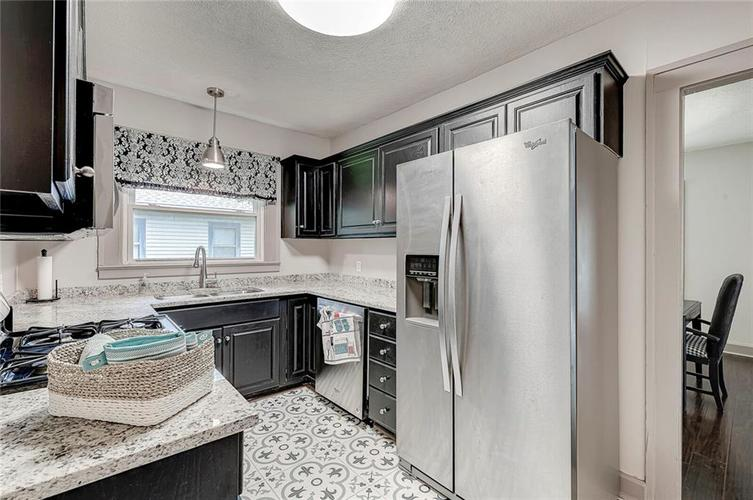 5016 N Guilford Avenue Indianapolis IN 46205 | MLS 21722116 | photo 12