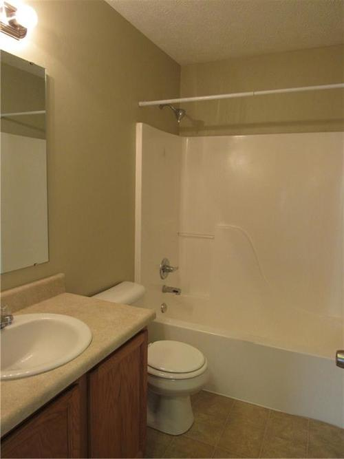 2189 Rosswood Boulevard Indianapolis IN 46229 | MLS 21722135 | photo 12
