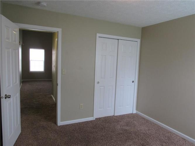 2189 Rosswood Boulevard Indianapolis IN 46229 | MLS 21722135 | photo 13