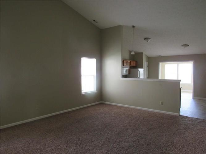2189 Rosswood Boulevard Indianapolis IN 46229 | MLS 21722135 | photo 5