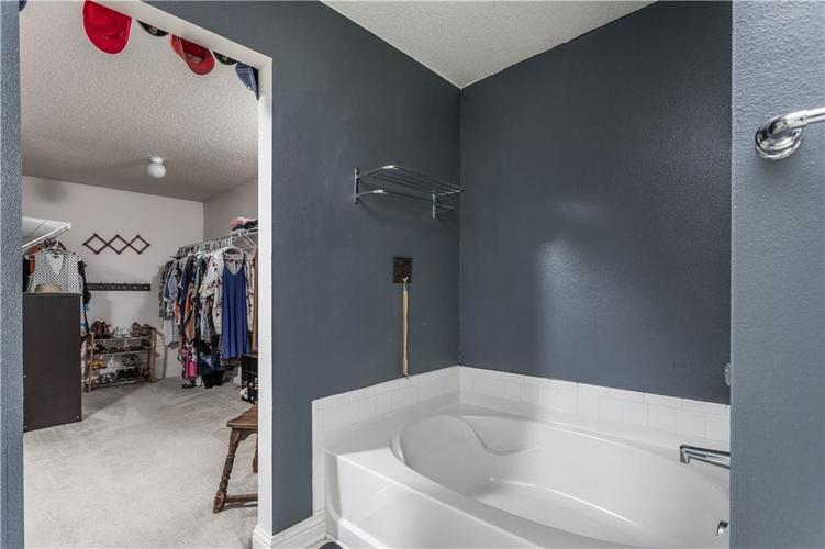 5540 Noble Drive Indianapolis IN 46234 | MLS 21722172 | photo 27