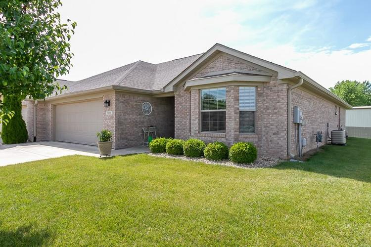 5003 Coventry Park Circle Indianapolis IN 46237 | MLS 21722275 | photo 1