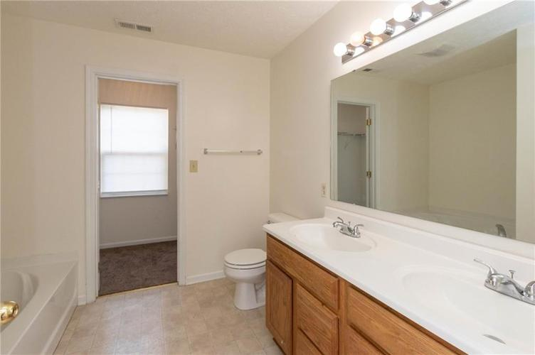 1359 Grand Canyon Circle Franklin IN 46131 | MLS 21722313 | photo 15