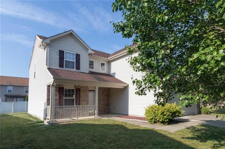 1359 Grand Canyon Circle Franklin IN 46131 | MLS 21722313 | photo 2