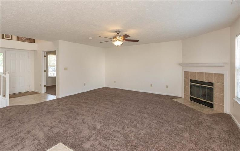 1359 Grand Canyon Circle Franklin IN 46131 | MLS 21722313 | photo 3