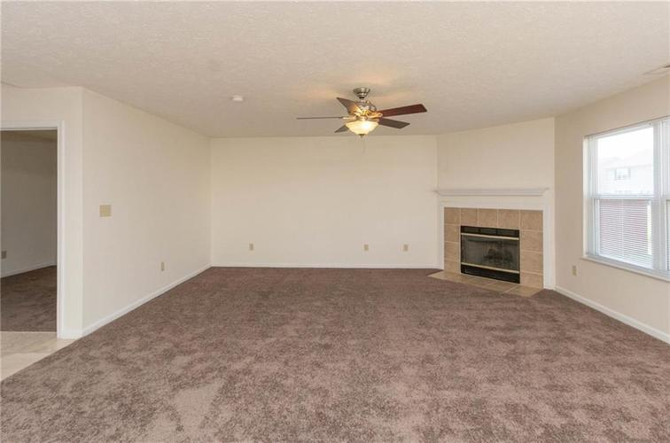 1359 Grand Canyon Circle Franklin IN 46131 | MLS 21722313 | photo 4