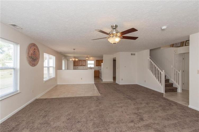 1359 Grand Canyon Circle Franklin IN 46131 | MLS 21722313 | photo 5