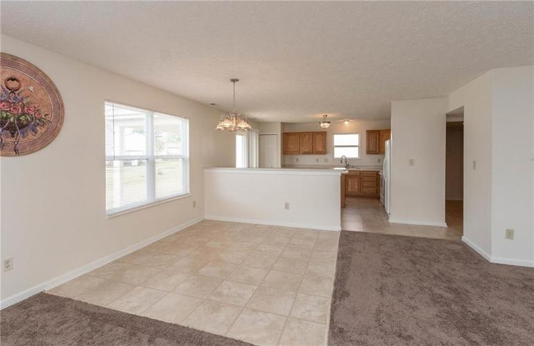 1359 Grand Canyon Circle Franklin IN 46131 | MLS 21722313 | photo 6