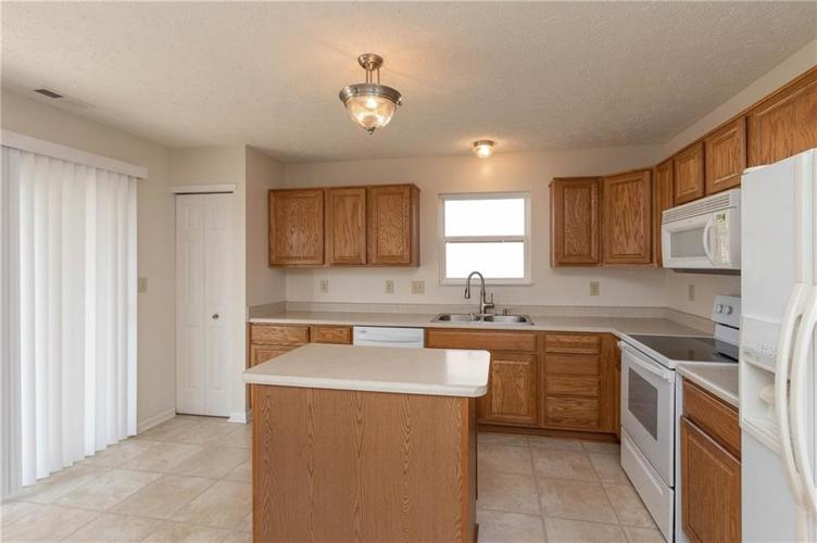 1359 Grand Canyon Circle Franklin IN 46131 | MLS 21722313 | photo 7