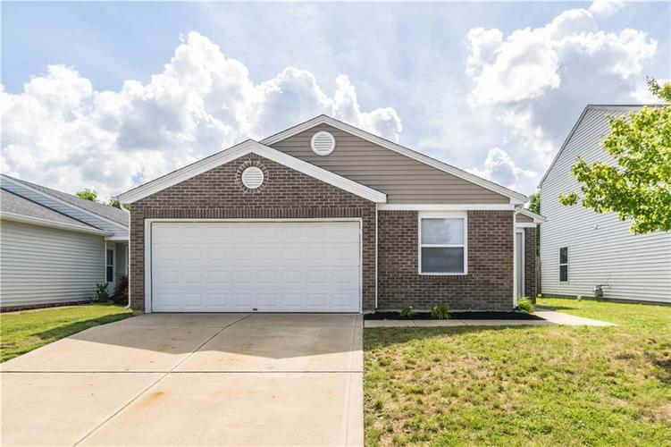 1724 Feather Reed Lane Greenwood IN 46143 | MLS 21722457 | photo 1