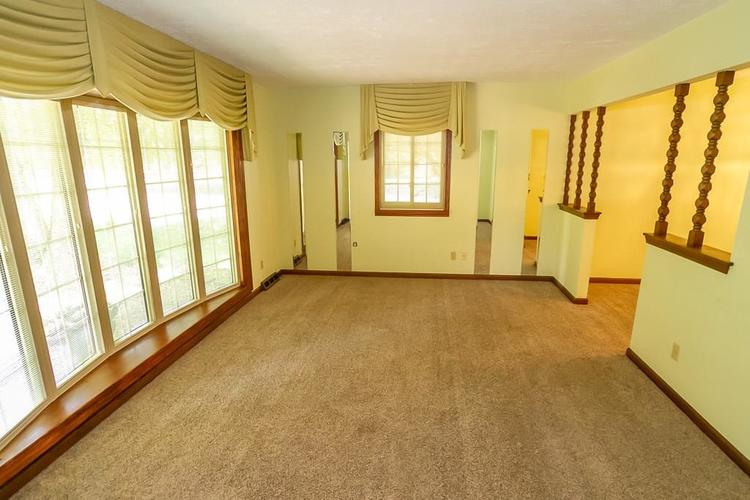 7521 Combs Road Indianapolis IN 46237 | MLS 21722530 | photo 10