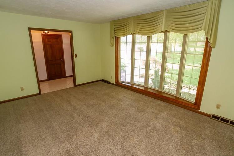 7521 Combs Road Indianapolis IN 46237 | MLS 21722530 | photo 12